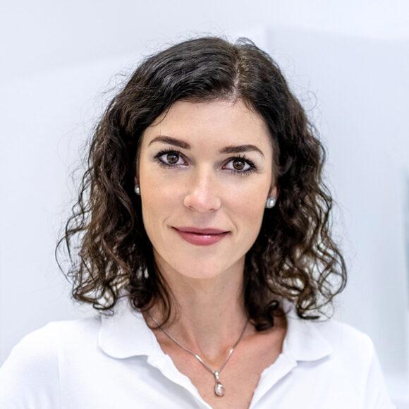 Bc. Ilona Cabadajová